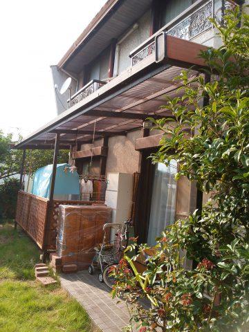 御津町 台風でテラスの波板が破損したので張替