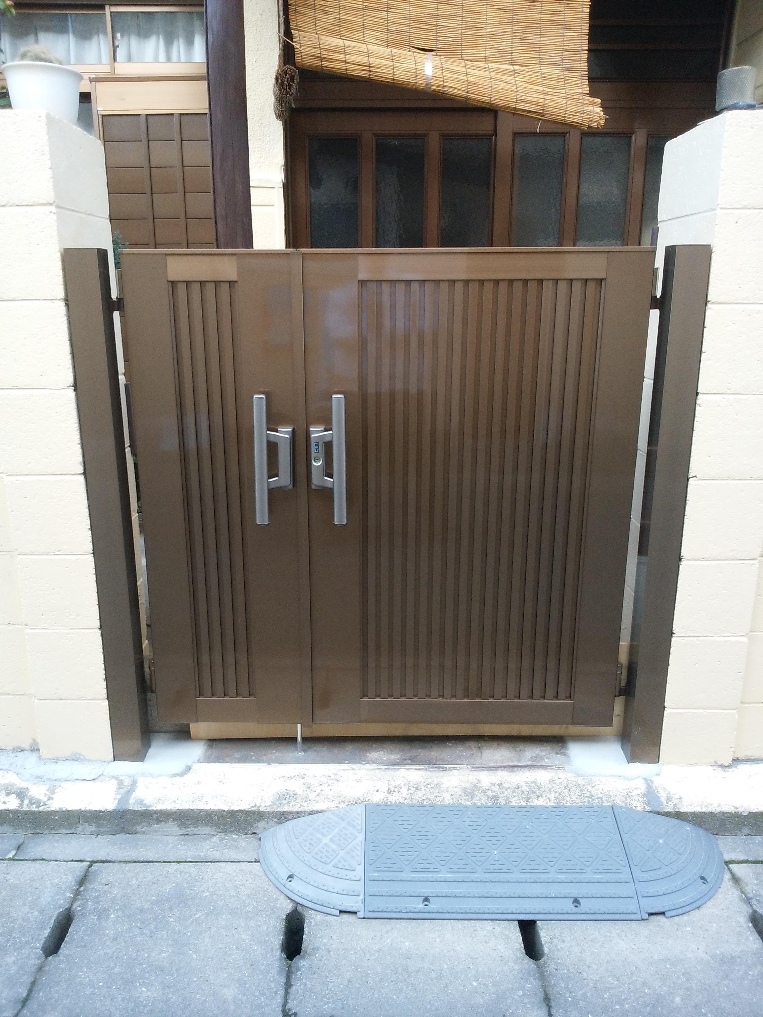 姫路市 玄関門扉の取替工事