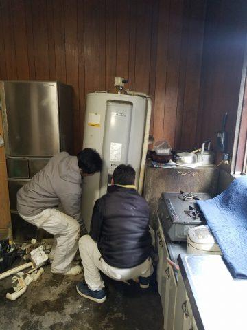 加古川市 電気温水器からエコキュートへ取替