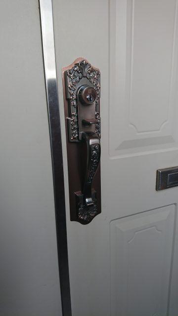 姫路市 玄関扉のドアノブ取替