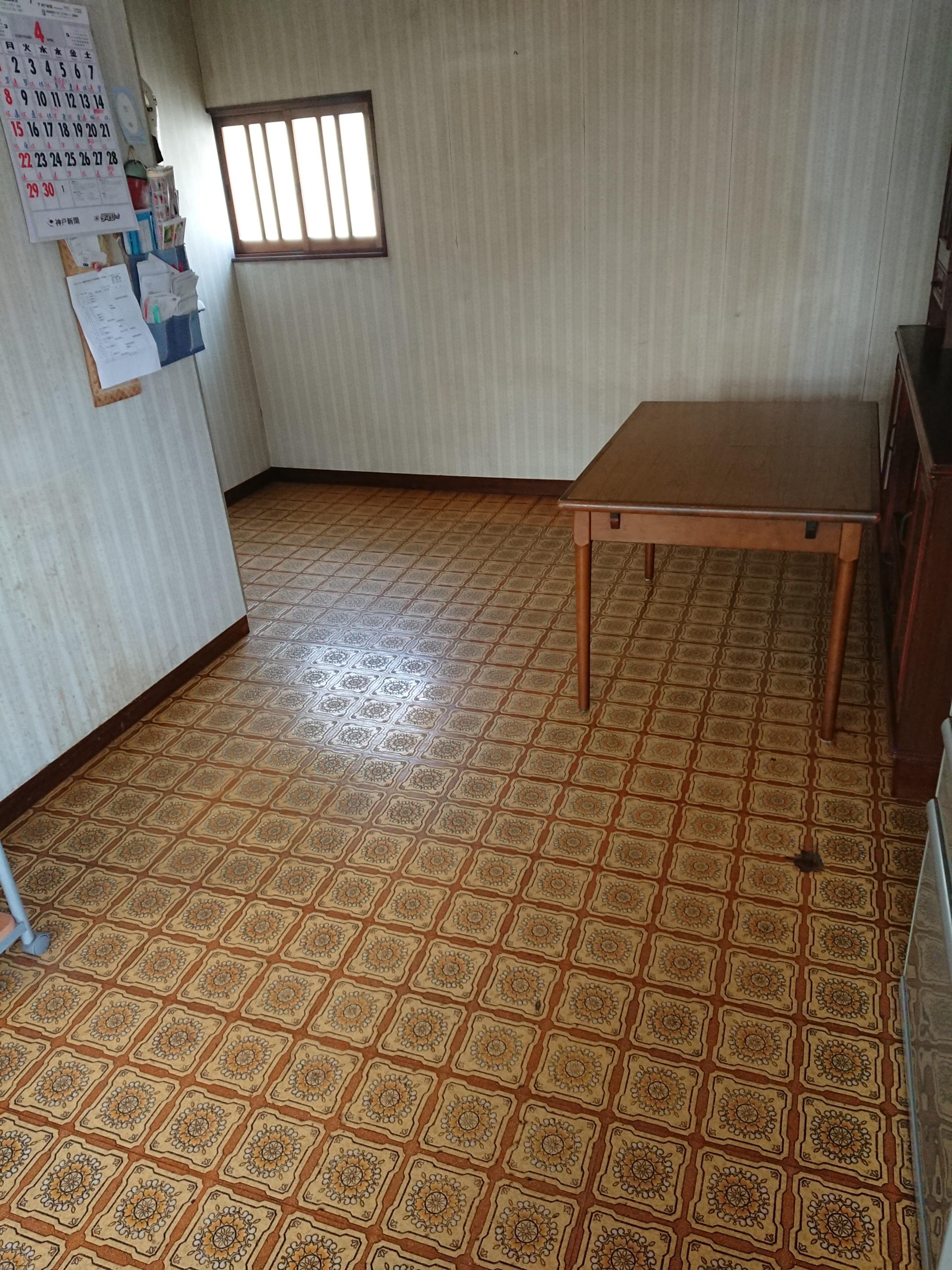 姫路市 キッチン床の上張り工事