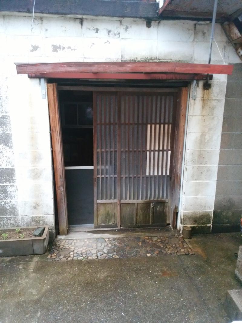 姫路市 納屋の引戸が開けにくい