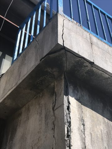 姫路市 崩れると危ないので解体工事