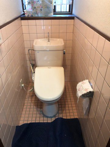 既設トイレ解体前