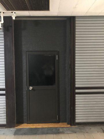 姫路市 事務所のシャッターをドアに替えたい