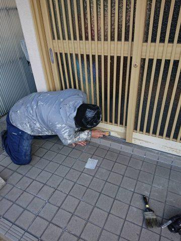 玄関塗装下支持処理