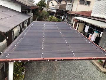 姫路市 カーポートの波板がバタつく