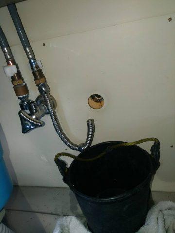 キッチン水漏れ