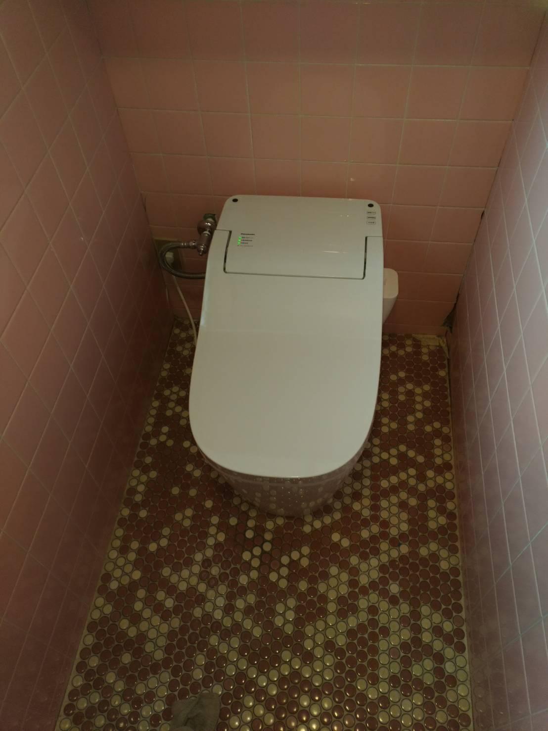 赤穂市 タンクの無いトイレに交換