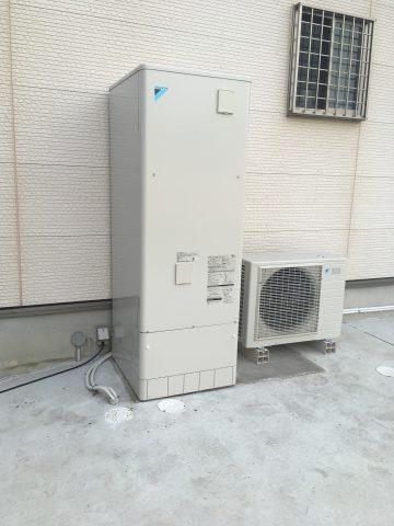 姫路市 丸形電気温水器からエコキュートへの交換工事