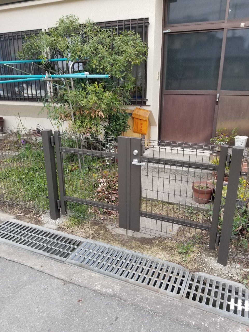 姫路市 フェンス新設工事(犬の糞ガード!)