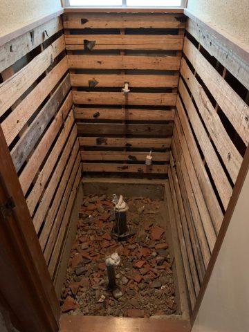 タイルの床・壁撤去