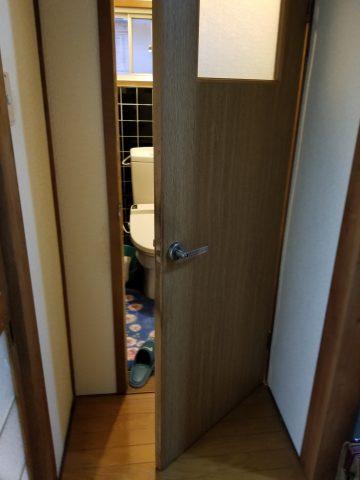 ドア取り替え