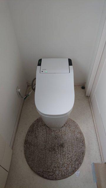 姫路市 タンクが変色してトイレ取替