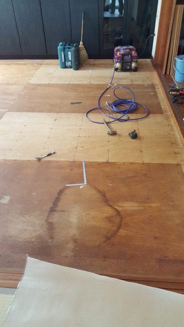 床改修工事