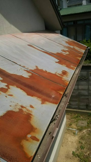 上郡町 庇を塗装する
