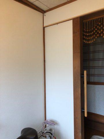 姫路市 玄関クロス工事
