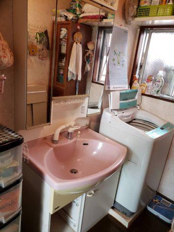 洗面化粧台 水漏れ 交換