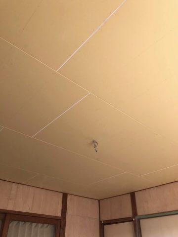 天井に石膏ボード