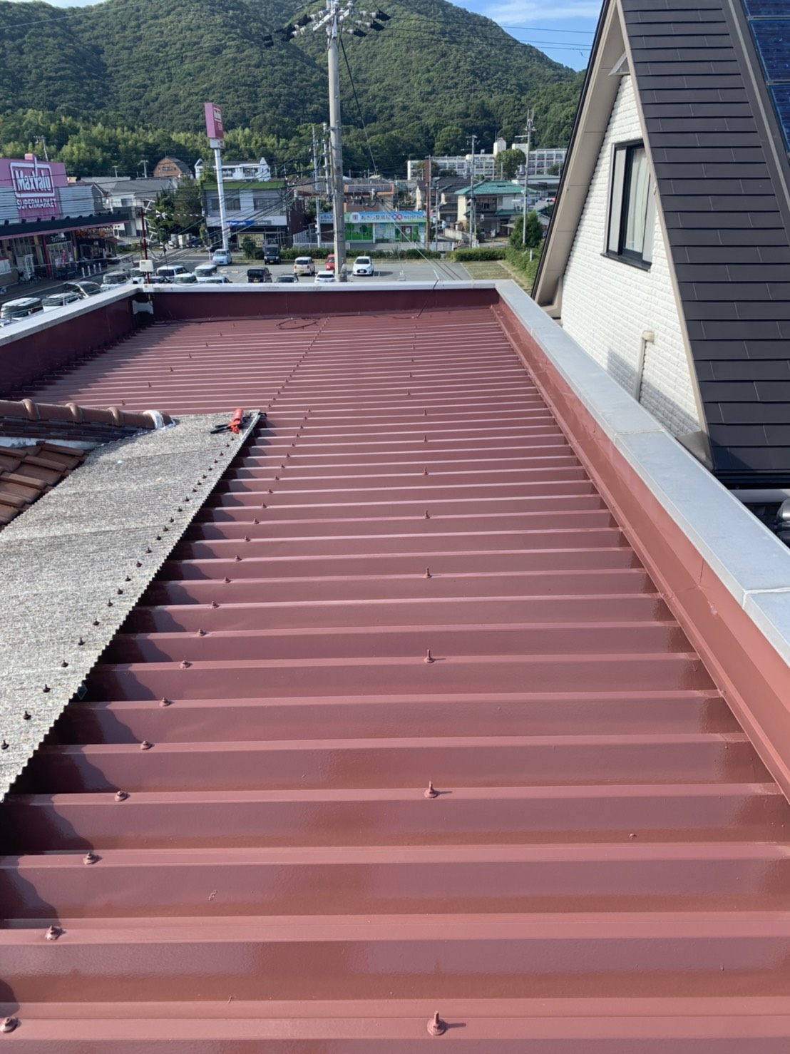 たつの市 折半屋根塗装工事