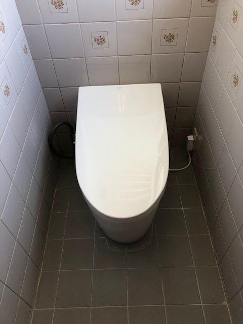 宍粟市 水漏れでトイレ交換