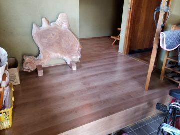 姫路市 玄関廊下床上貼り工事