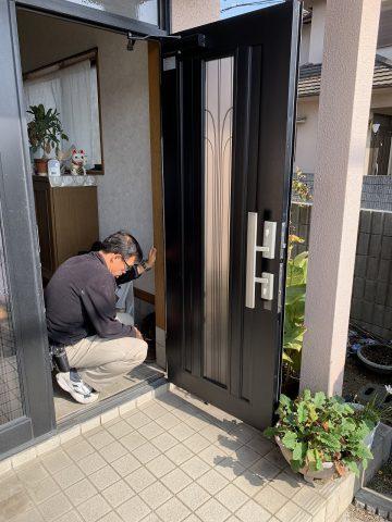 姫路市 玄関がしまらない