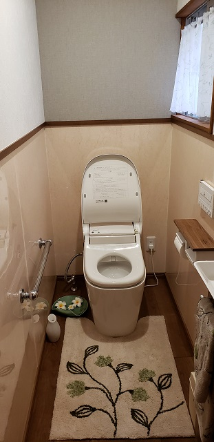 赤穂市 小便器撤去・トイレ改修