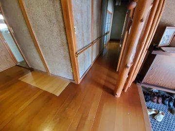 廊下床上貼り