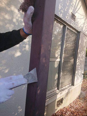 姫路市 玄関の前の柱を塗装