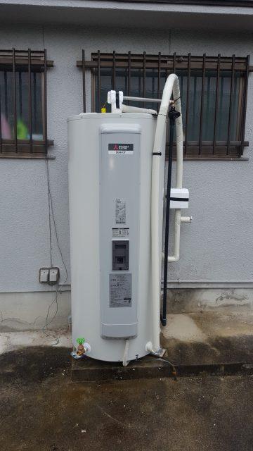 赤穂市 電気温水器取替工事