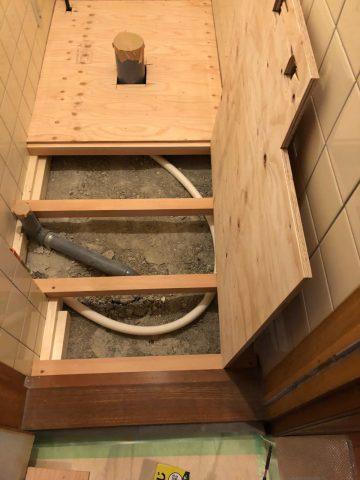 配管、床下地工事