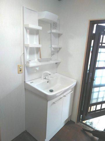 赤穂市  洗面室が明るくなりました!
