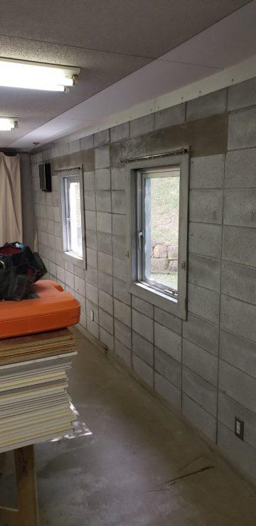 窓枠もコンクリート