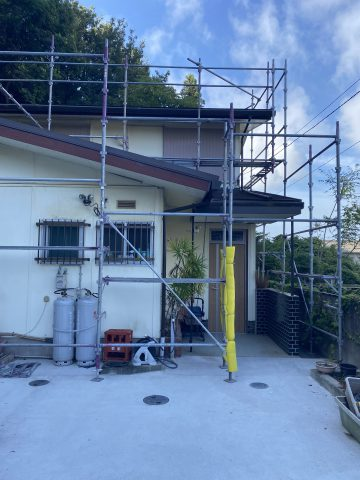 外壁塗装の1日目の工程は足場組