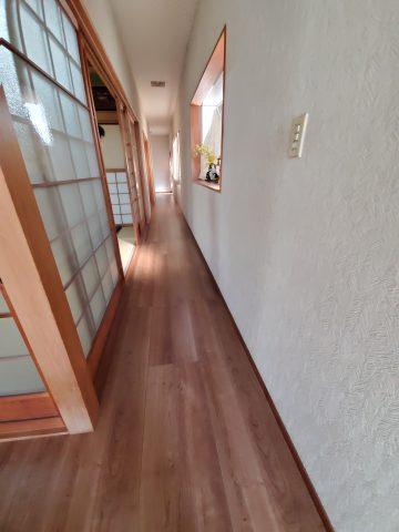 姫路市 玄関廊下フロア上貼り工事