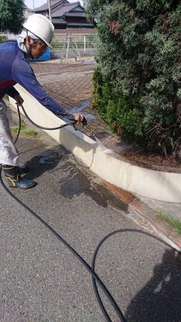 外壁塗装の工程の一つ高圧洗浄