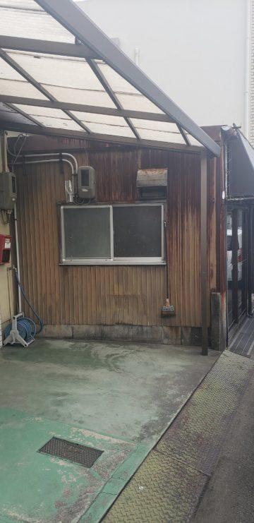 姫路市 トタンから焼き板に張り替え