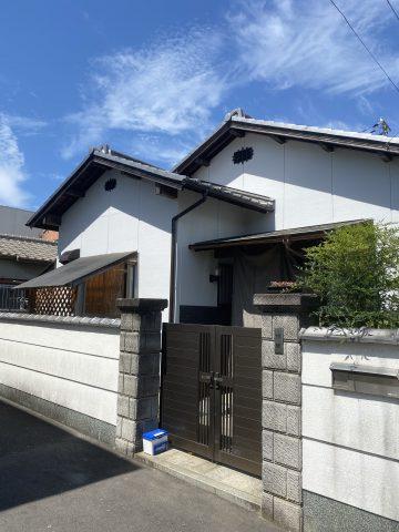 姫路市で外壁塗装完工後の家の正面