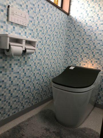 トイレリフォーム壁紙も貼替てオシャレ