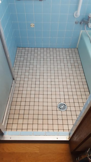 赤穂市 浴室の床を貼り替えて暖かくして!
