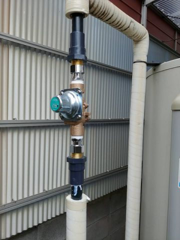 赤穂市 電気温水器の配管の修理
