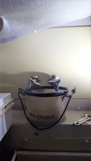 キッチン水栓取替施工中