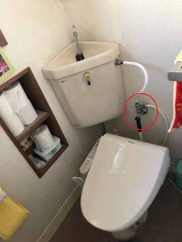 給水位置 真ん中にある トイレ