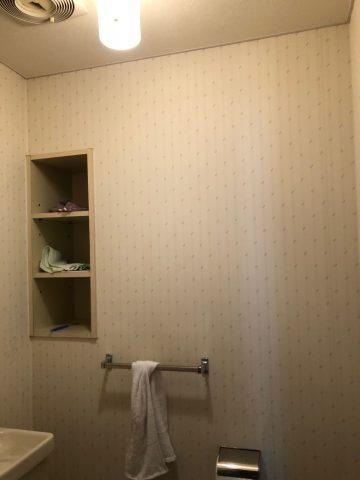 マンショントイレ壁貼替