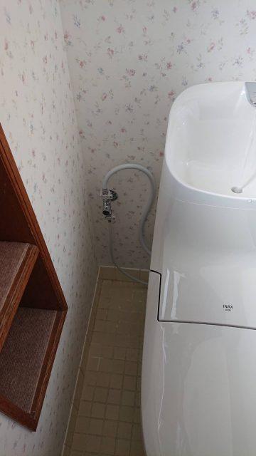 止水栓移動 トイレ