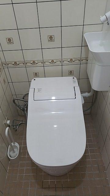 座りやすいトイレに!施工後