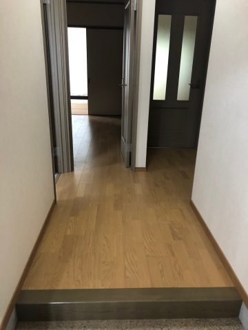 姫路市 アパートの床を貼替